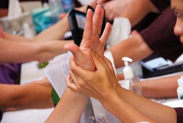 Hands_370